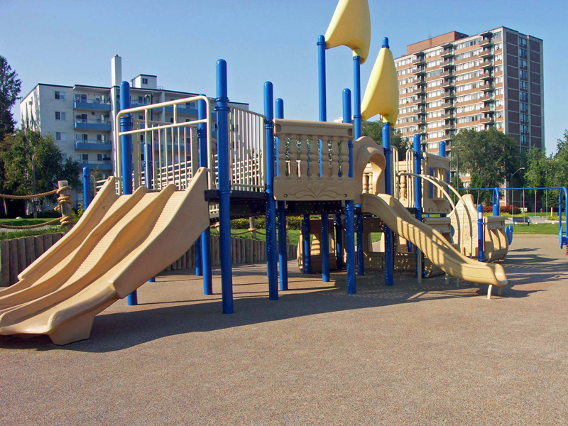 Rubber Brasil - Playground 13.jpg