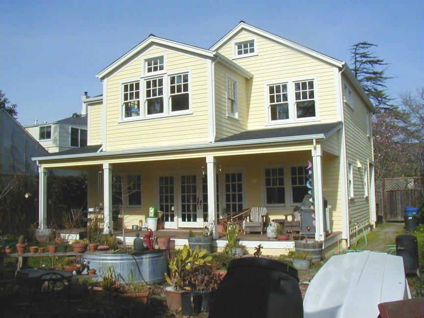 Residence in Petaluma, CA Historic District