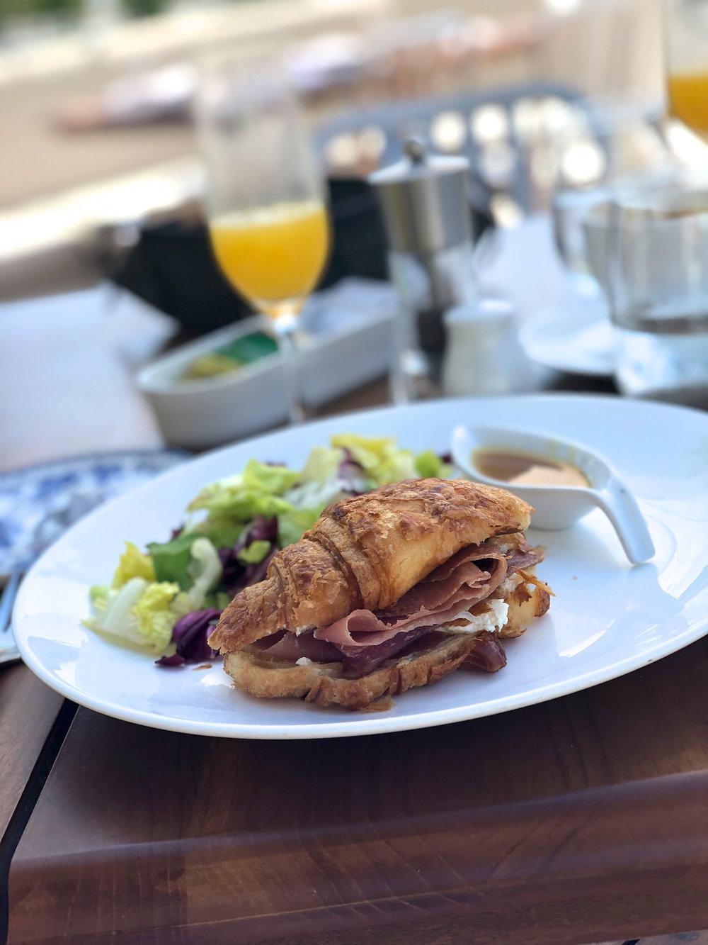 Breakfast at Mi Carisa