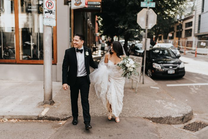 dreamy-downtown-portland-wedding-urban-studio-32-700x467.jpg