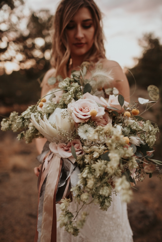 bend_oregon_boho_elopement_11.jpg