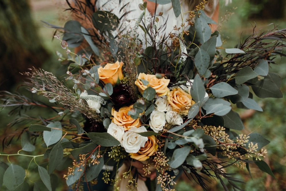 mae_and_co_floral_design_02.jpg