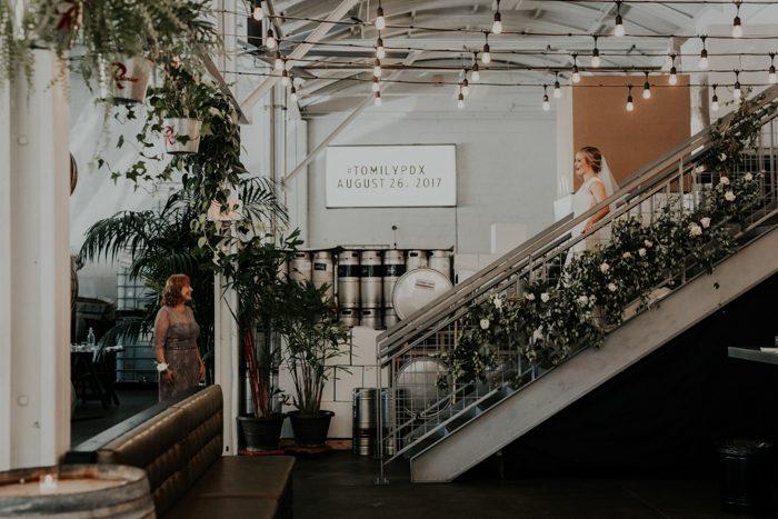 urban-elegant-portland-wedding-at-coopers-hall-christy-cassano-41-700x467.jpg