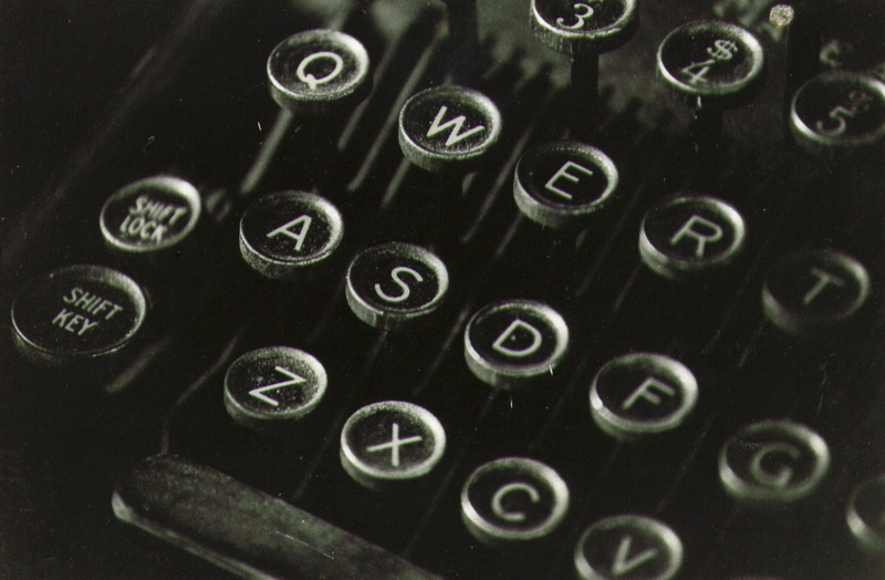 old-typewriter-keys-1.jpg