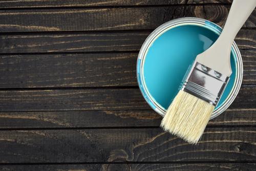 COLORATION    Pour ajouter de la fraicheur et du changement, la couleur est un véritable allié permettant de remodeler les volumes et donner de la profondeur à vos pièces.
