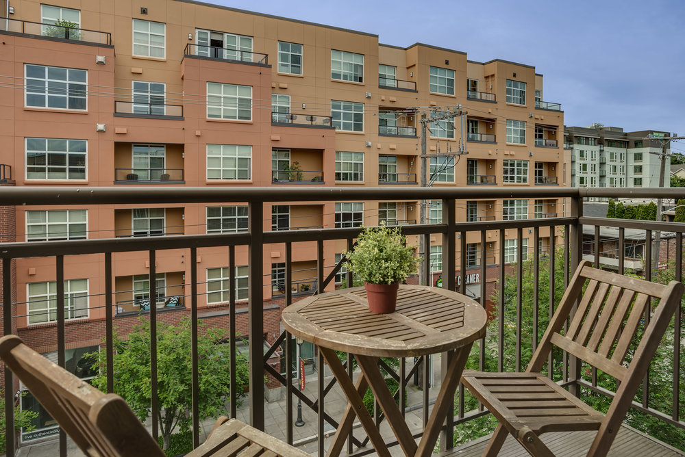 Unit 409 | 1 BD | 1 BA | 692 SF | Sold for $515,000