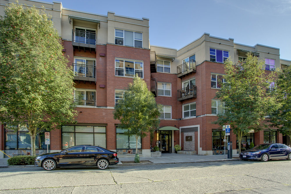 Unit 225 | 2 BD | 2 BA | 1,172 SF | Sold for $825,000