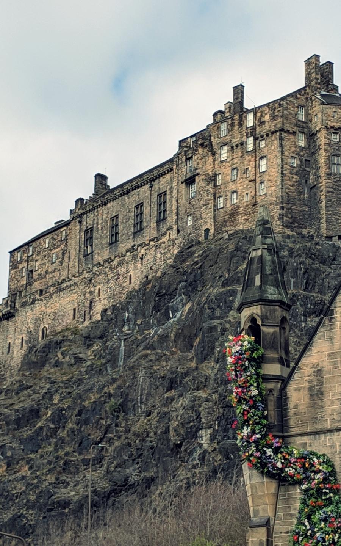 Castle on the Hill Edinburgh.jpg