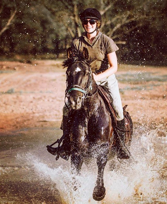 Having way too much fun @antsnest.antshill #waterhorse #inthewater #splashzone #horsebacksafari thank you to the amazing and talented @lottyh.photography for the shots 😍