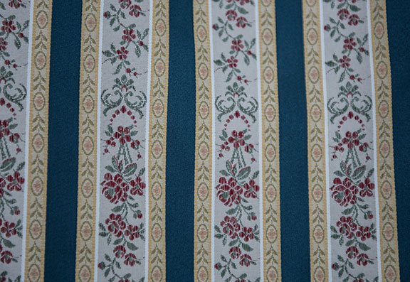 "LESSIRE  ROYAL BLUE        100% POLYESTER                                                 108"" WIDE - WASHABLE                                                DECORATION & DRAPERY                                                         MADE IN ITALY"