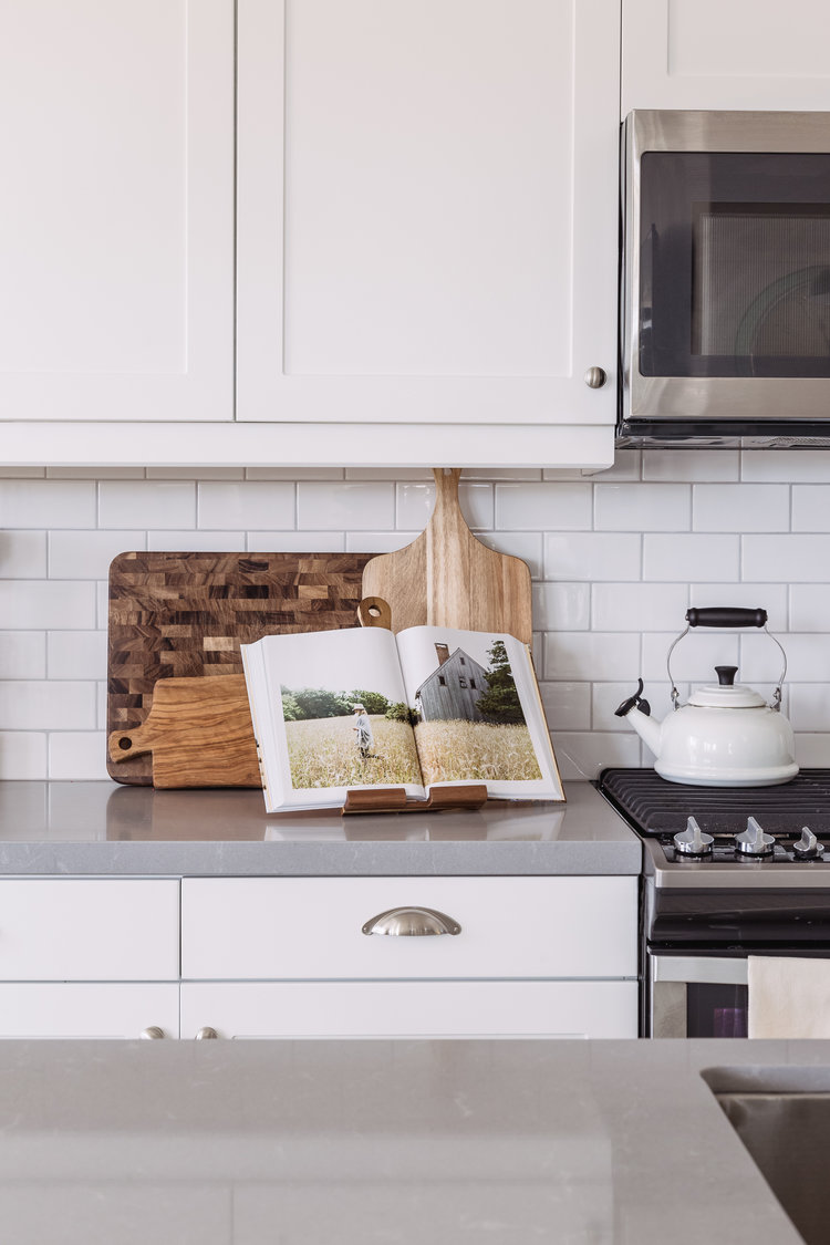 Design: Pure Salt Interiors, Photography: Vaneesa Lentine Countertops: Quartz