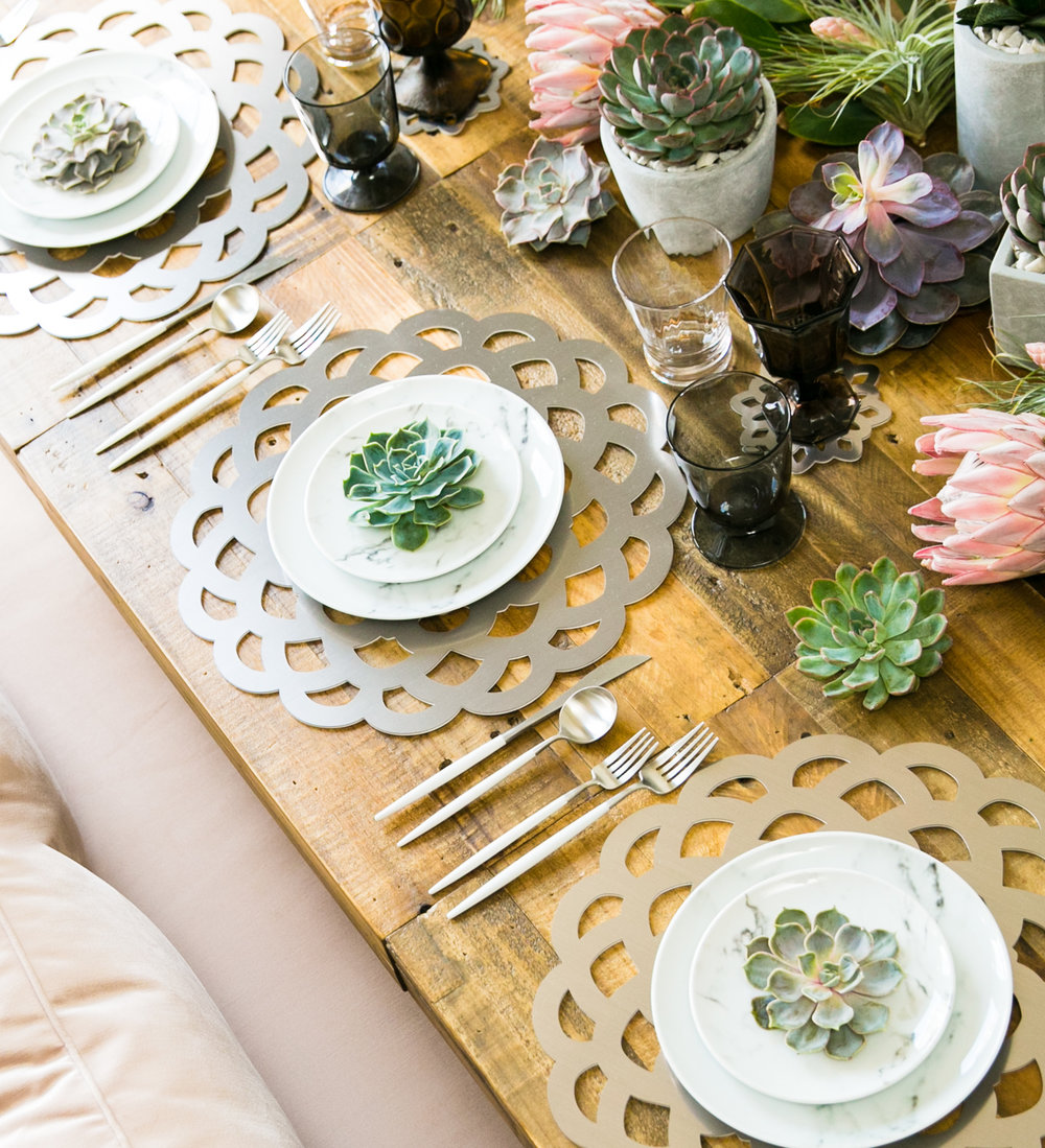 Fresco Chroma Placemat  \\ Styled by Bastille Flowers & Events, Photo by Shhivika Chauhan Photography