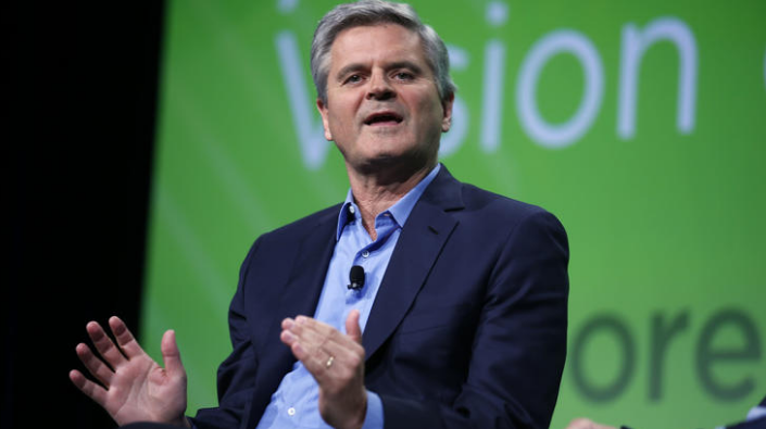Steve Case, Founder of AOL speaking at the first INVEST Chicago Luncheon hosted by Goodcity.