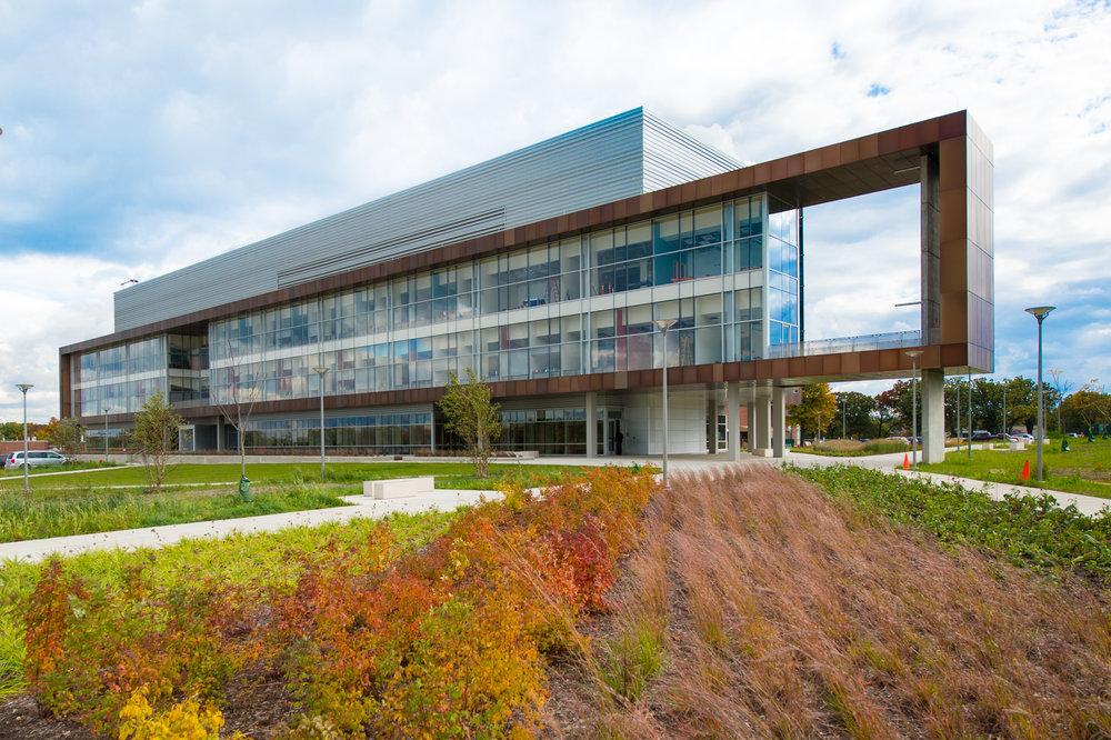 Argonne Energy Sciences Building-2.jpg