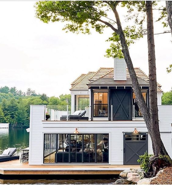 One of my biggest designer crushes, Muskoka Living Interiors designs the most beautiful coastal inspired homes I've ever seen.