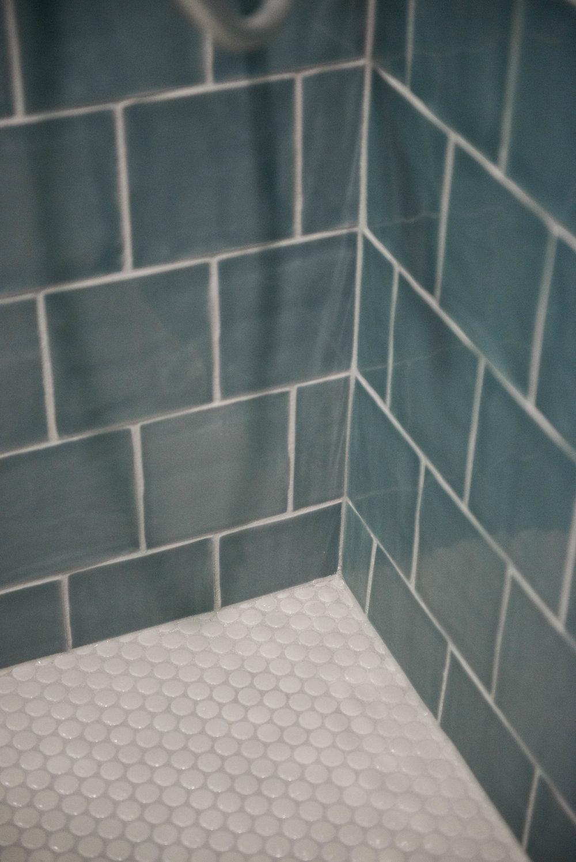 penny-tile-shower-floor