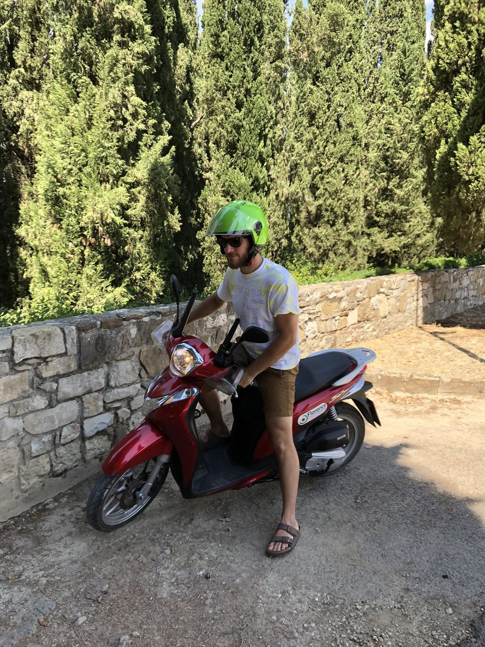 We rented a scooter for 3 days. We did a ton of cruising! 260km total, but we only used $6 in gas. I think West End needs one of these. I'm already planning...