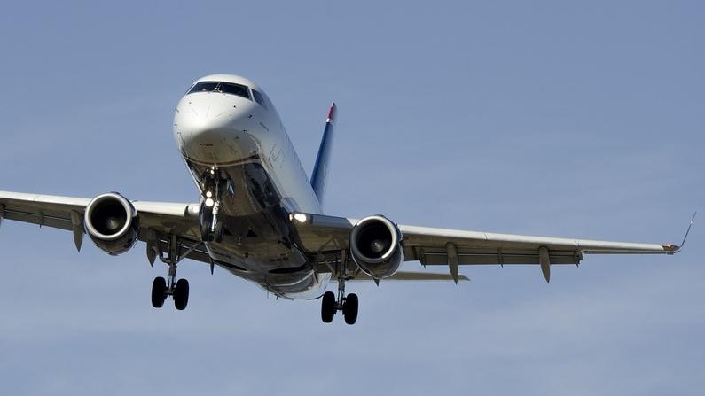 airplane-1554870_960_720.jpg