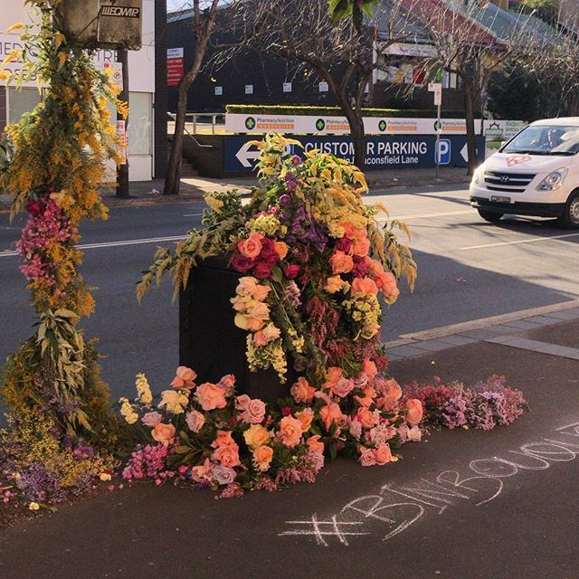 The #floralmasterclasssydney #binbouquet