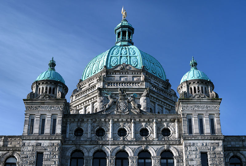 800px-British_Columbia_legislature_building_roof_close_up.jpg