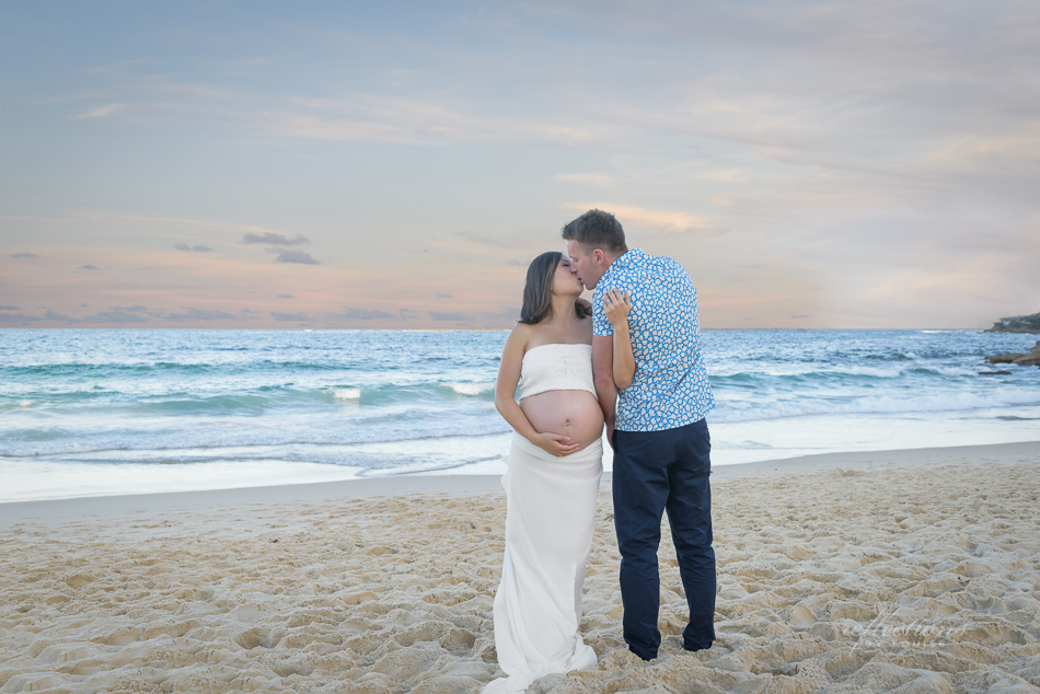 beach maternity photography, coogee beach photography, maternity dress, maternity gown, maternity photography dress, sewing maternity dress, beloved maternity photoshoot,