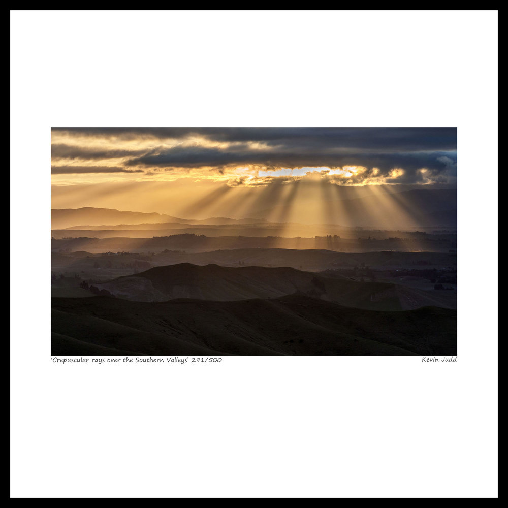 013 Cepuscular rays over the Southern Valleys