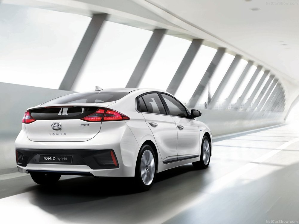 Hyundai-Ioniq-2017-1024-23.jpg