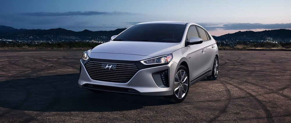 2018-ioniq-hybrid-ext-02-symphony-air-silver (1).jpg