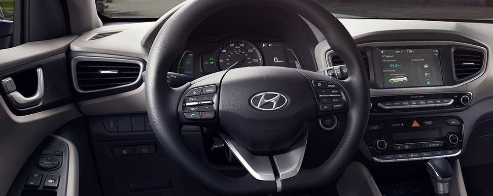D-cut steering wheel with steering-wheel-mounted audio and cruise controls