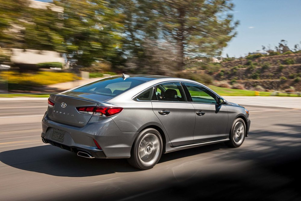 2018-Hyundai-Sonata-20T-Limited-rear-three-quarter-in-motion-02.jpg