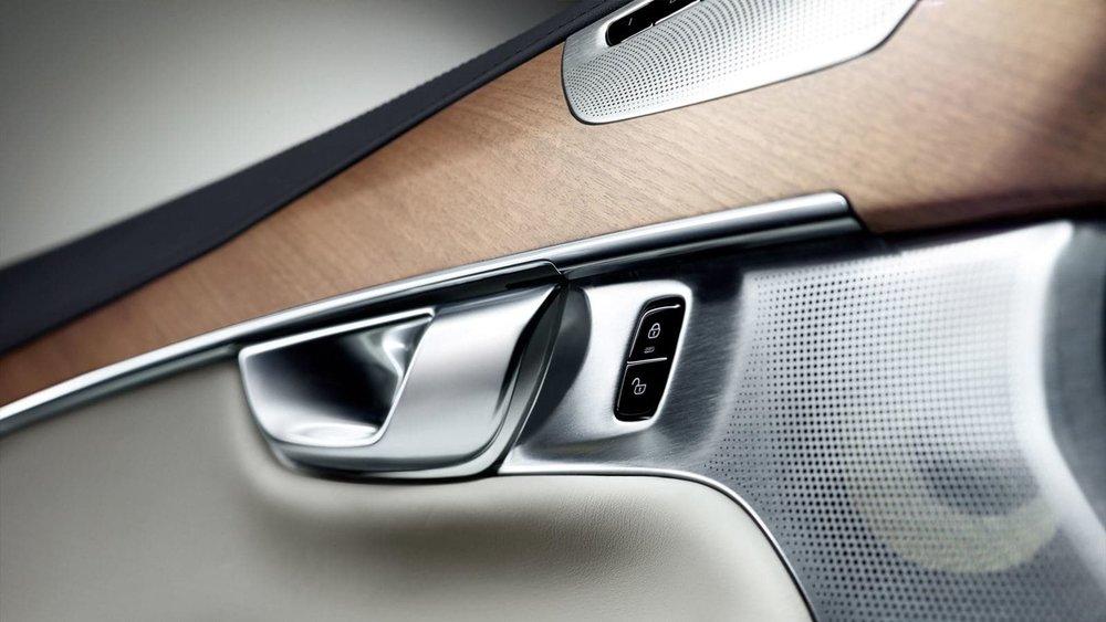 xc90-door-interior-v2.jpg