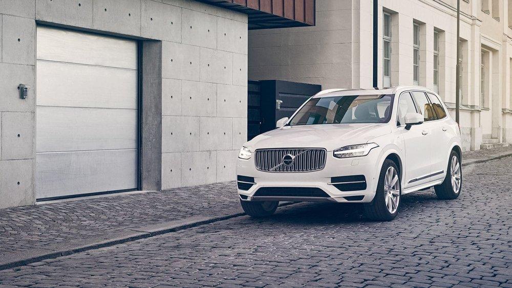xc90-luxury-suv-exterior-v2.jpg
