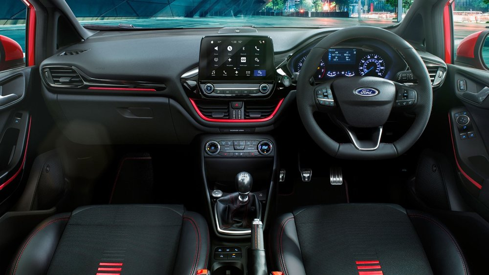 ford-fiesta_st_line-eu-FORD_FIESTA2016_ST-LINE_CENTER_COCKPIT_03_RHD-16x9-2160x1215-interior.jpg.renditions.extra-large.jpeg