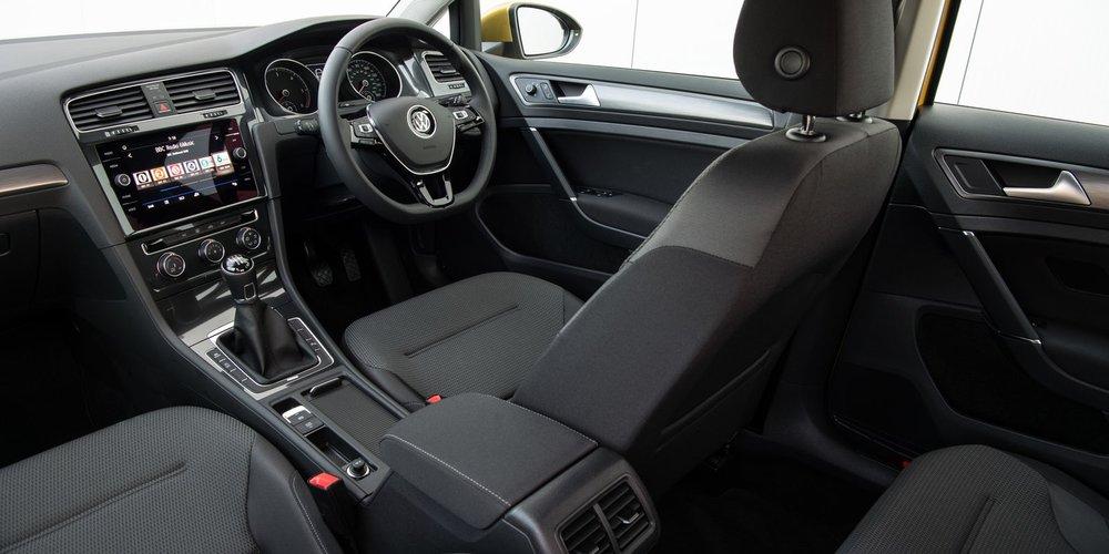 Volkswagen-Golf-16.jpg