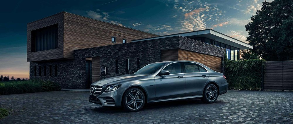 03-mercedes-benz-mbsocialcar-e-class-e-350-e-w-213-calendar-april-2018-3400x1440.jpg
