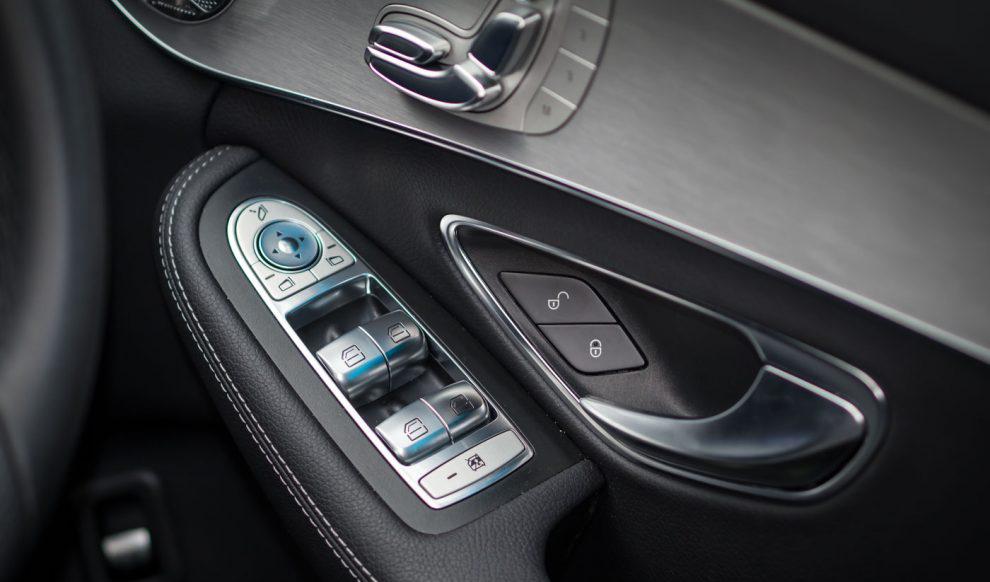 2017-Mercedes-Benz-C350e-Review-15-990x660.jpg