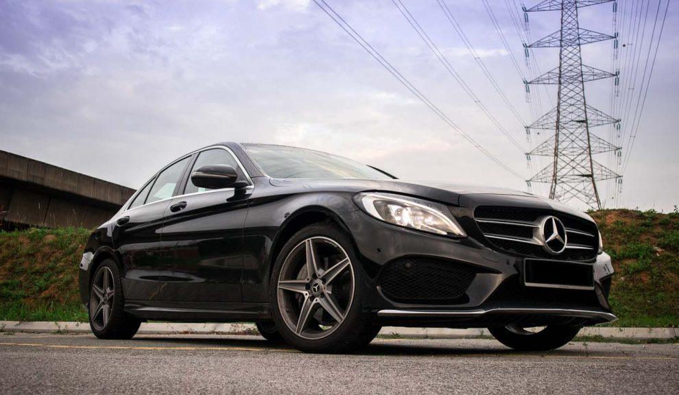 2018-Mercedes-Benz-C200-AMG-4-2-990x660.jpg