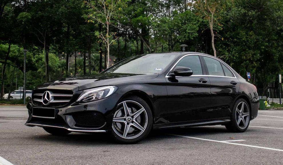 2018-Mercedes-Benz-C200-AMG-3-990x660.jpg