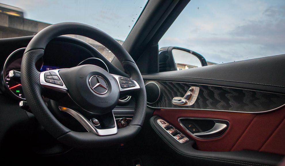 2018-Mercedes-Benz-C200-AMG-44-990x660.jpg