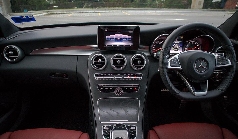 2018-Mercedes-Benz-C200-AMG-37.jpg