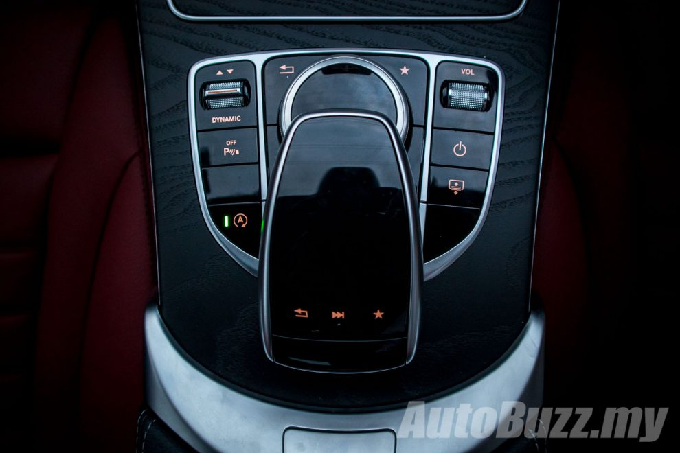 DYNAMIC SELECT dials in the car's performance character with the tap of a console button