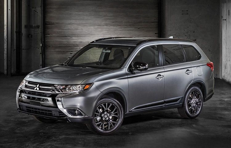 2018-Limited-Edition-Outlander-3quarter-view-m.jpg