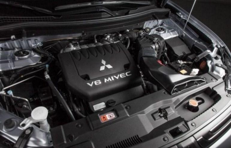 2018-Mitsubishi-Pajero-Engine.jpg