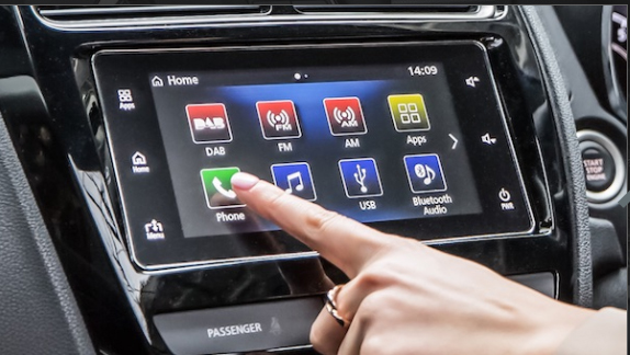 """Smartphone Link Display Audio (SDA)^is a true extension of your smartphone via Android Auto™1or Apple CarPlay2. Connected to a 7"""" touchscreen, you can access your phone's compatible apps and get direction, make calls, receive messages and listen to music from any source including DAB+ radio."""