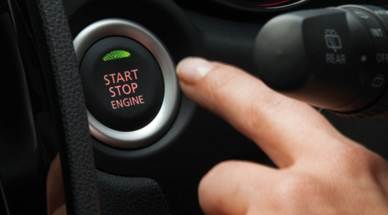 Lock and unlock the doors and tailgate within 70cm of your ASX. Power up your ignition with the touch of a button thanks to One Touch Start*, while one more push shuts the engine off. *XLS Models only