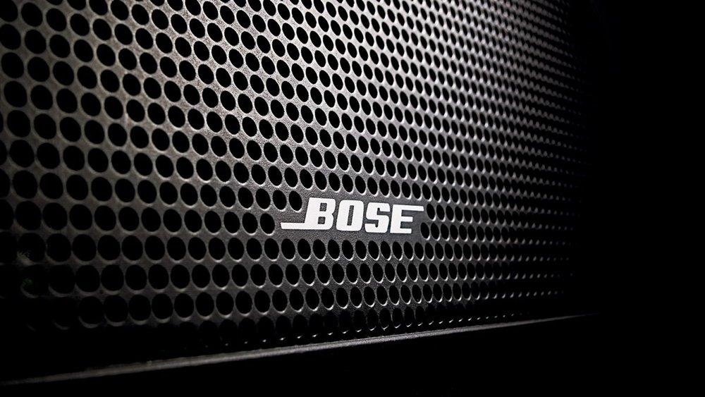 13-Speaker bose premium sound system