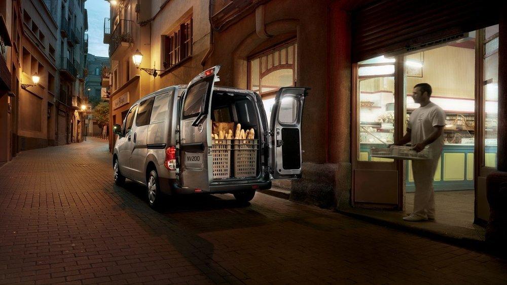 nv200-van-design-keep-organised-rhd.jpg.jpg.ximg.l_12_m.smart.jpg
