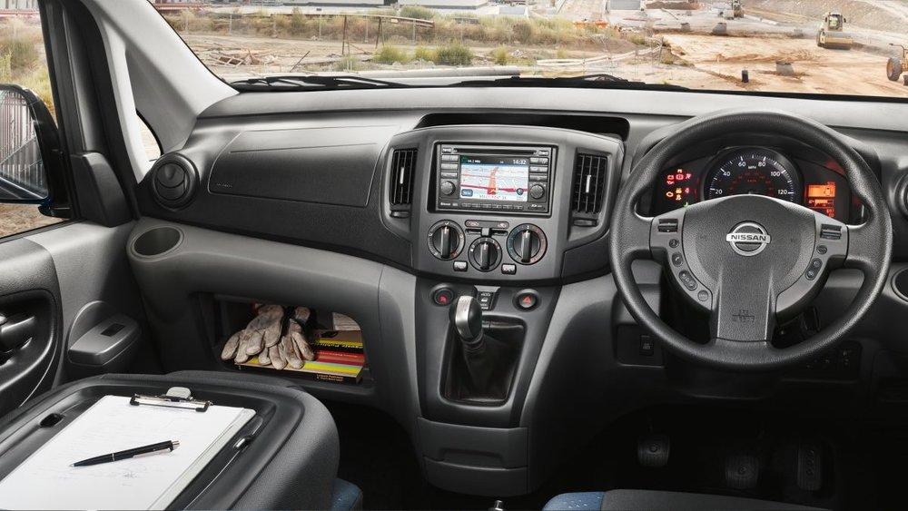 nv200-van-overview-interior-RHD.jpg.ximg.l_12_m.smart.jpg