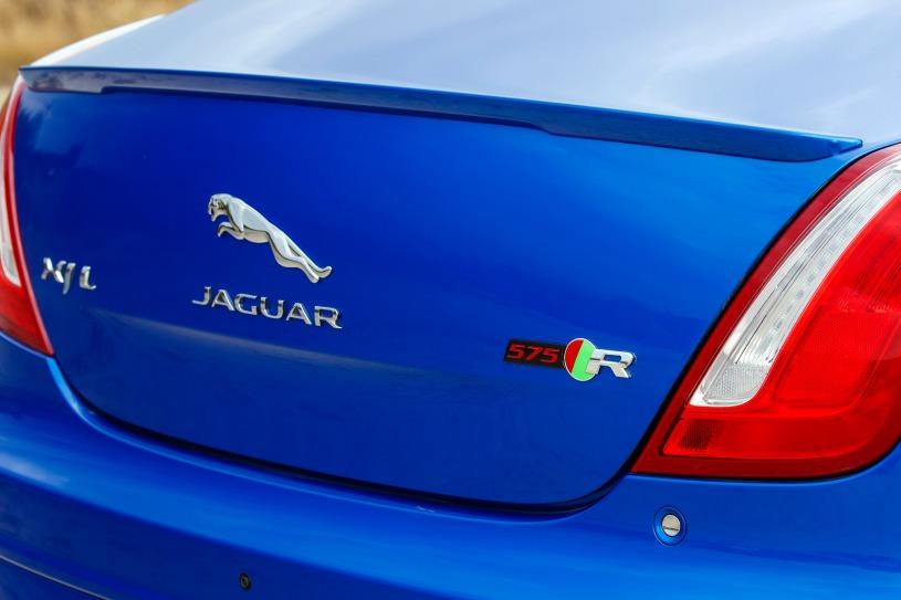2018_jaguar_xj_sedan_xjr575_rbdg_oem_5_815.jpg