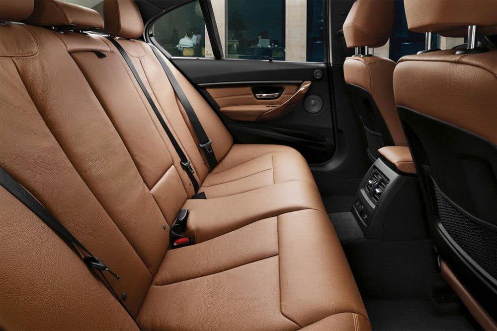 2018-BMW-3-Series-Sedan-330i-Interior-Rear-Seats.jpg